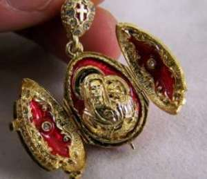 131261924_virgin-mary-and-child-jesus-sterling-gold-locket-medal-